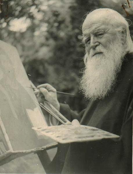 Părintele Sofian pictând icoana Mântuitorului